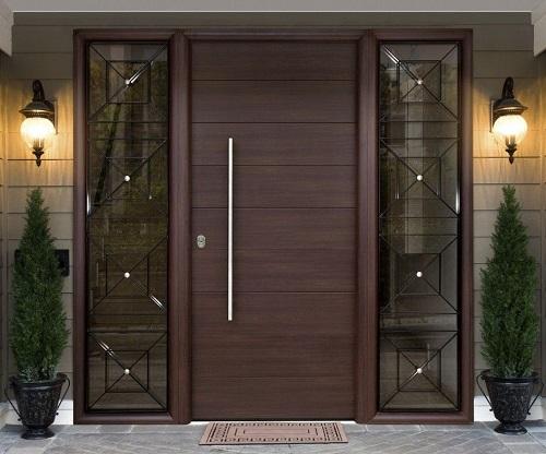 качественная деревянная дверь